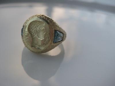 #R022 ROMAN EMPERER Blue Topaz