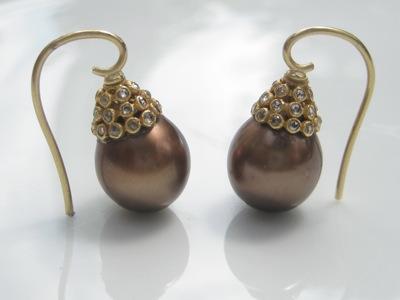 #ER028 CINNO-CHOCOLATE PEARLS & DIAMOND PAISLEY CAPS