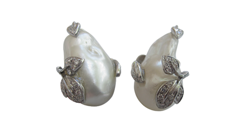 SOUTH SEA WHITE BAROQUE PEARLS  FROM THE ITALIAN COLLECTION